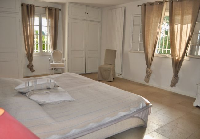 Villa in Salernes - Pati Panor : splendid holidays villa with air con, pool, tennis & jacuzzi