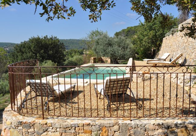 House in Cotignac - Seasonnal rental in Provence : Le Collet